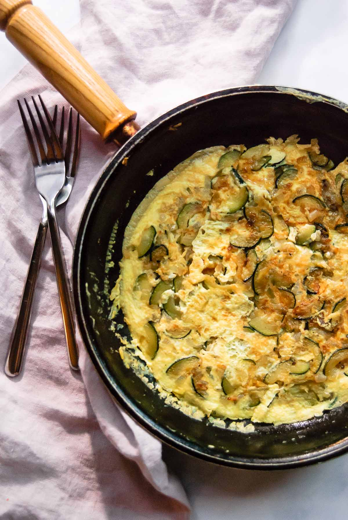 30 Healthy Dinner Recipes for Two - 20-Minute Zucchini Onion Frittata for Two via The Beader Chef | https://www.roseclearfield.com