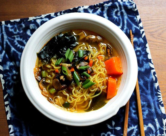 30 Healthy Ramen Noodle Recipes - Korean Ramen Noodle Soup via Peaceful Dumpling   https://www.roseclearfield.com