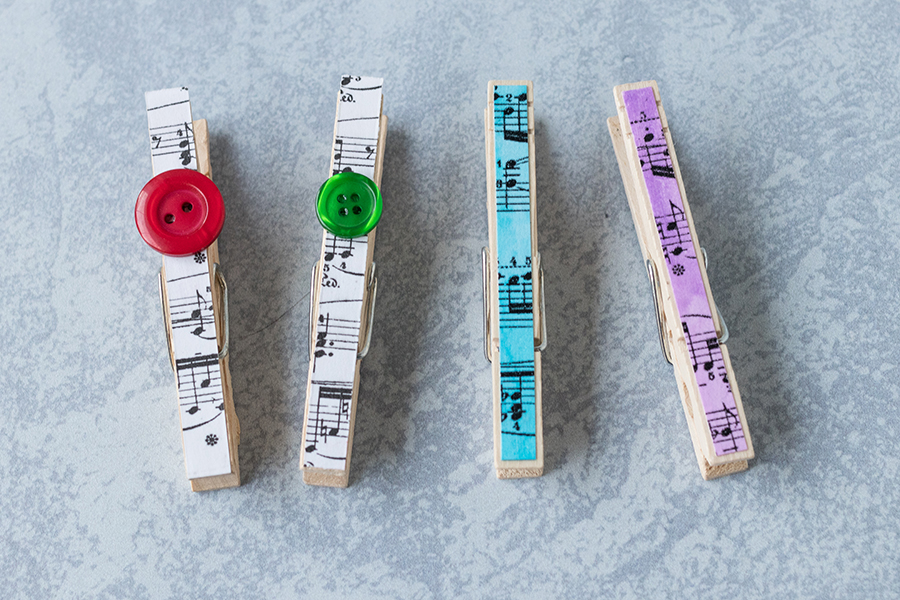 DIy sheet music clothespin variations: with or without borders. #DIY #sheetmusic #clothespins | https://www.roseclearfield.com