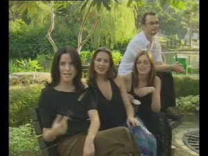 The Corrs ketika interview di Hongkong