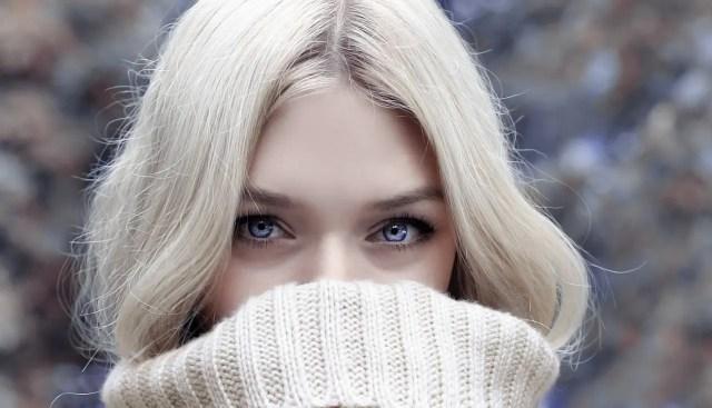 Comment bien maquiller les yeux bleus