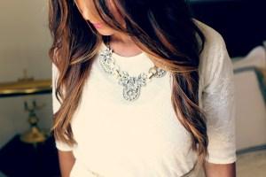 Pourquoi les bijoux font partie intégrante d'un style vestimentaire