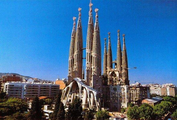 sagrada familia   La Sagrada Familia e il genio di Antoni Gaudì