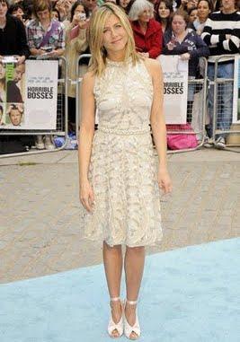 Bon Ton style copia il look di Jennifer Aniston  Rose In The Wind