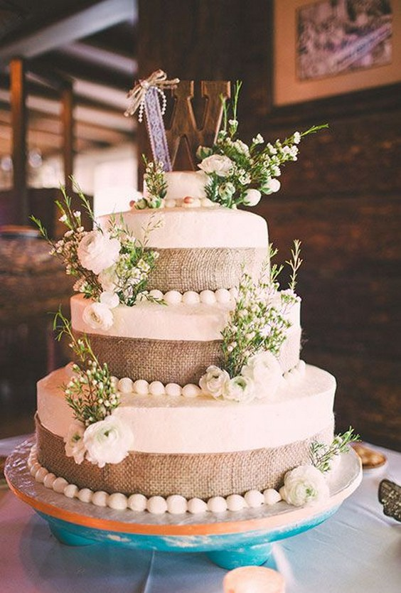 Say I Do to These Fab 20 Rustic Burlap Wedding Cakes  Roses  Rings  Part 2