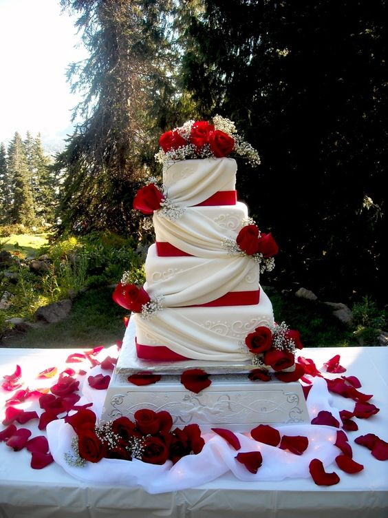 Top 20 Square Wedding Cakes That Wow  Roses  Rings