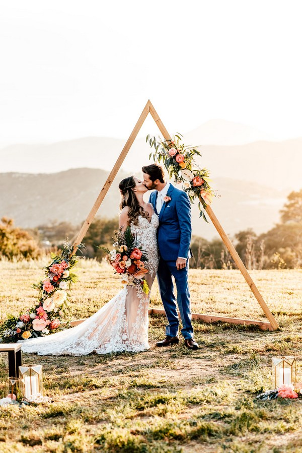 Hot Wedding Trend Boho Chic Triangle Wedding Arches  Roses  Rings