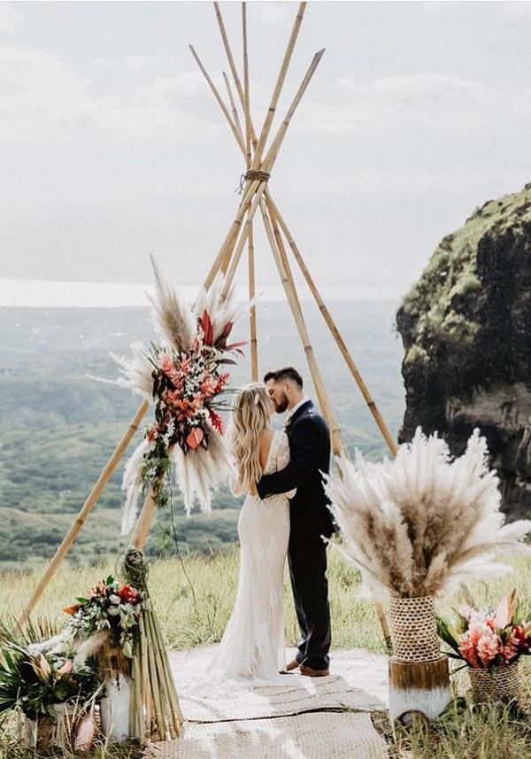 Hot Wedding Trend Boho Chic Triangle Wedding Arches
