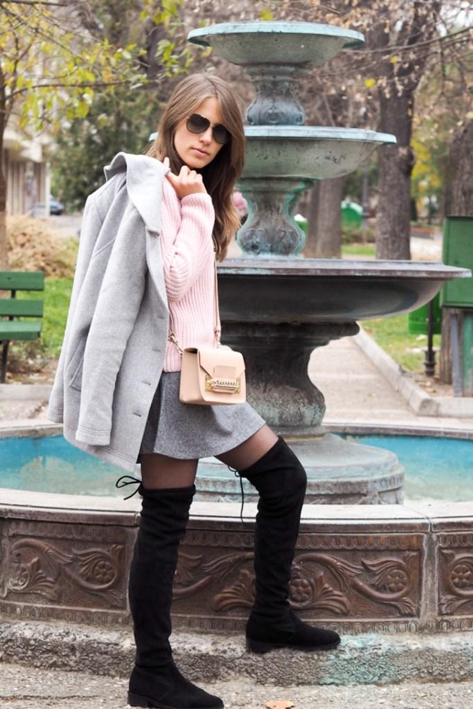 jupe mini et cuissardes en Bulgaria