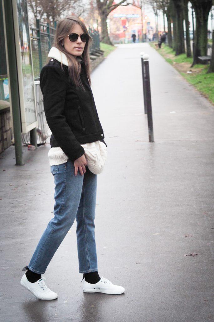 walking_rosesinparis