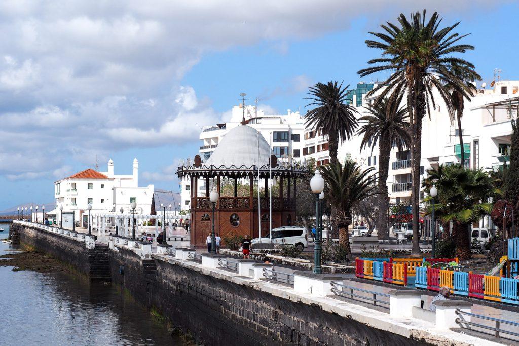 rosesinparis_Lanzarote_guide_arrecife_port