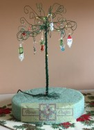 Rosie Crafts Artisan Christmas Wire Tree with Earring Ornaments