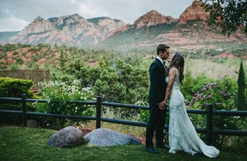 sedona-arizona-wedding-ceremony-hotel l'auberge-portraits-bride-groom-28