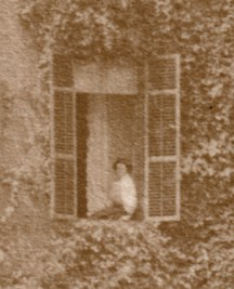Mrs. Ross (detail from 1907 photograph of Hickory Hill above)