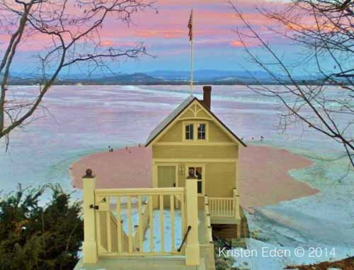 Rosslyn boathouse during late February sunset (Credit: Kristen Eden)