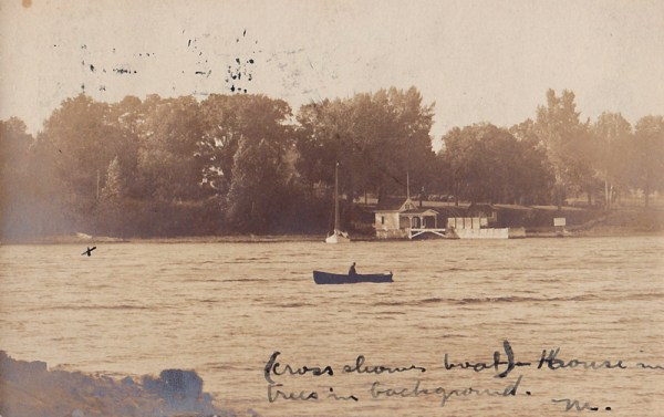Rosslyn Boathouse, Circa 1907 (Source: vintage postcard with note)