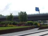 Blick von Landesgartenschaugelände auf die Autobahnbrücke