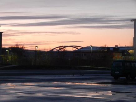 Die Maximiliansbrücke im Morgenrot