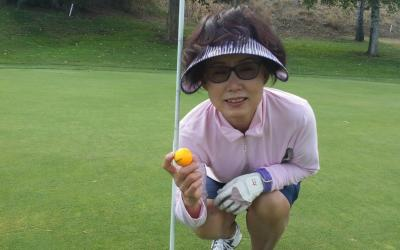 Joanne Kim sinks her first Hole-in-One