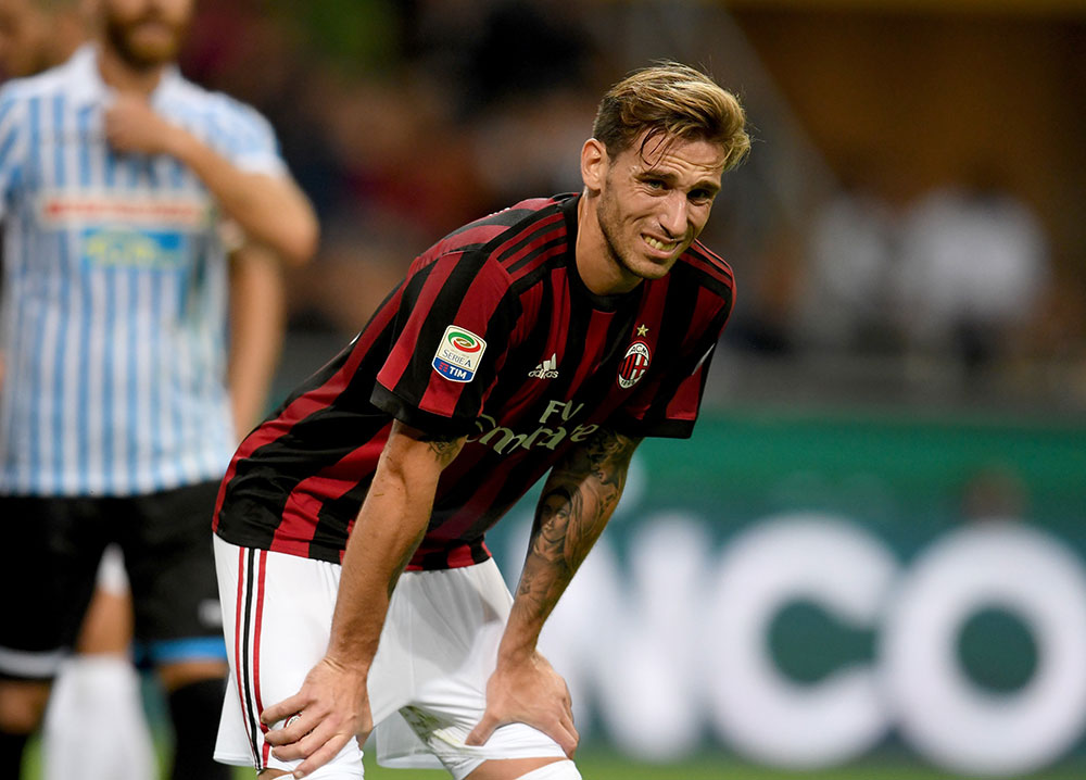 Lucas Biglia during Milan-SPAL at Stadio San Siro on September 20, 2017. (Photo by Claudio Villa/Getty Images)