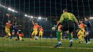 Zlatan pareggia i conti in fuorigioco