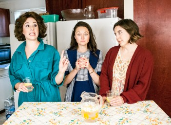 L-R, Chandler Parrott-Thomas as Meg, Margaret Grace Hee as Babe, Jensen Power as Lenny