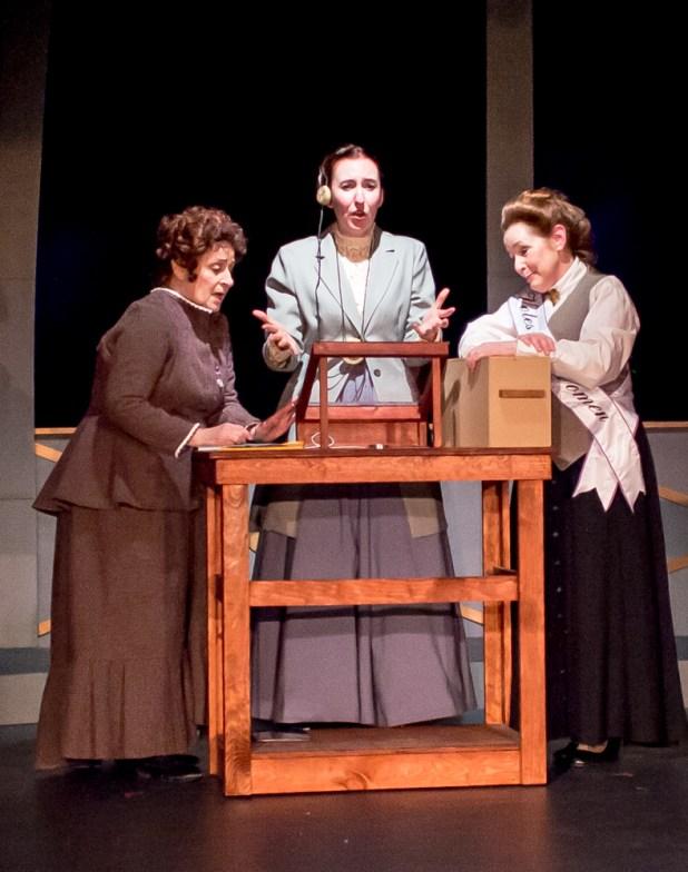 Pamela Ciochetti as Williamina Fleming, Isabelle Grimm as Henrietta Leavitt, Rachel Kayhan as Annie Cannon