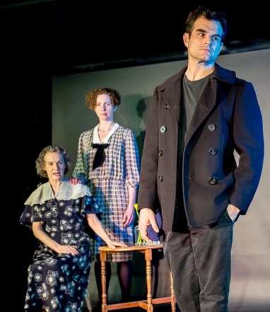 Greg Crane as Tom Wingfield; Standing Carolyn Arnold as Laura Wingfiled; seated Tamar Cohen as Amanda Wingfield