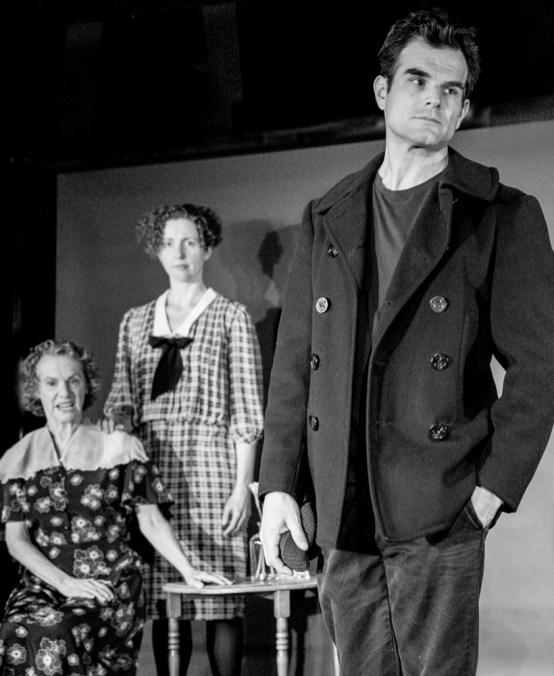 Greg Crane as Tom Wingfield; Standing Carolyn Arnold as Laura Wingfiled; seated Tamar Cohn as Amanda Wingfield
