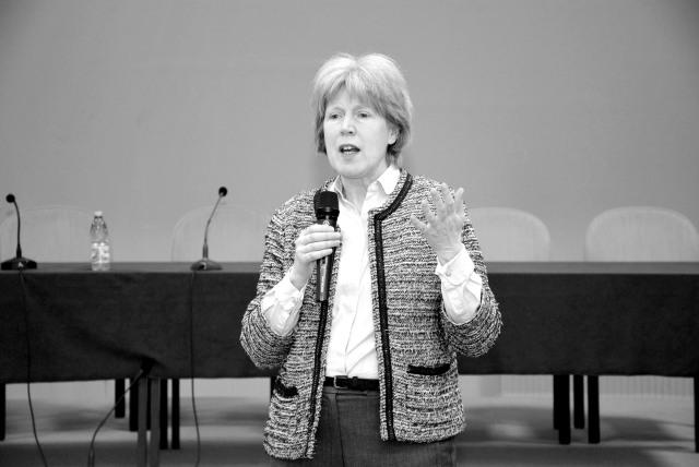 Antonia Tully - Educatia sexuala in Marea Britanie 000 - (3)