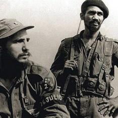 Fidel Castro cu banderolă