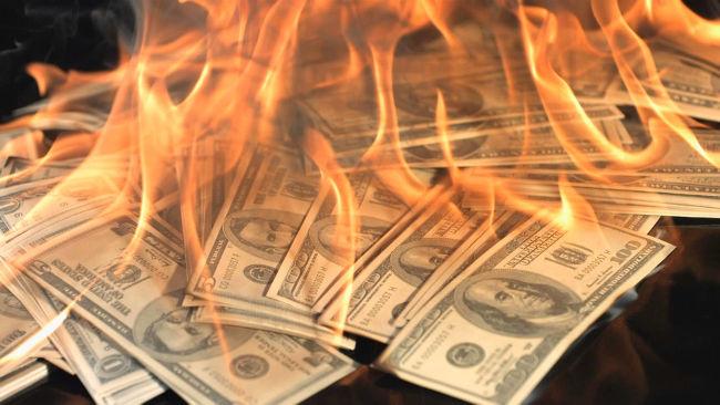 De ce urăşte stânga banii lichizi. Războiul cu cash-ul, sau drumul spre sclavia totală