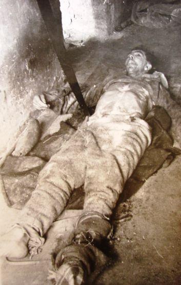 Cadavrul lui Gheorghe Pașca fotografiat în Năsăud (Arhiva CNSAS)