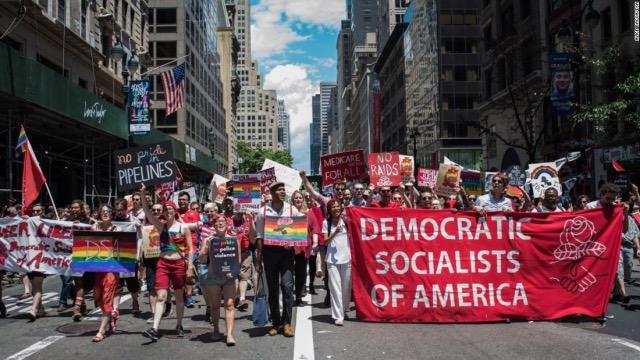 Fantoma socialismului seduce America