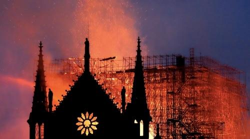 Simbolurile contează. Notre Dame