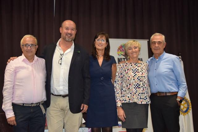 Representantes de las tres entidades solidarias ganadoras de la Nit