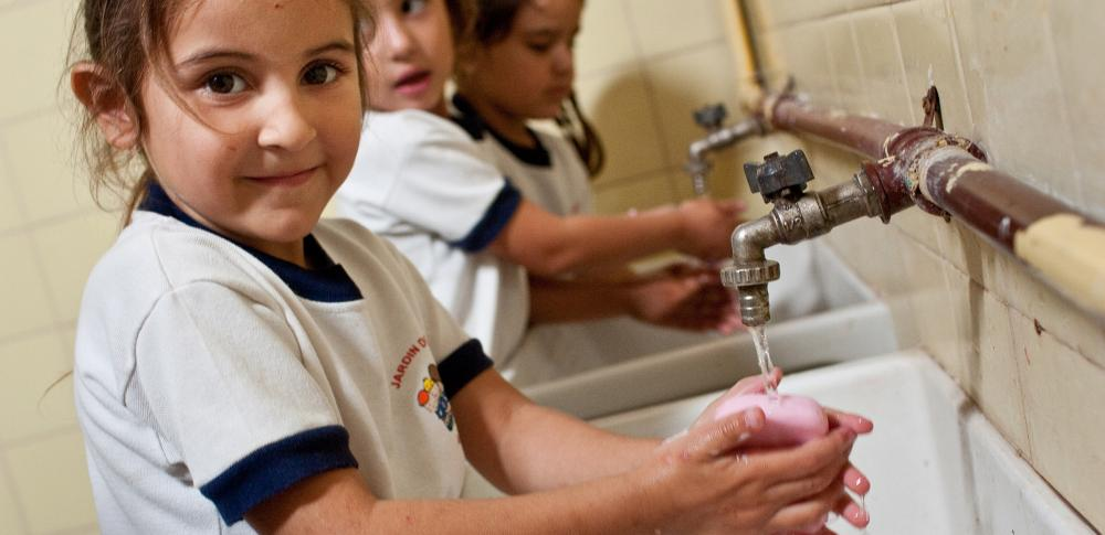 https://i0.wp.com/www.rotary2202.org/wp-content/uploads/2019/11/giving-tuesday-water3.jpg?w=1200&ssl=1