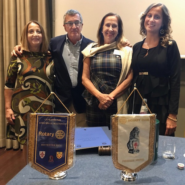 da sin Paola Del Mastio (Presidente RC Firenze Il Magnifico), Ciro Vestita, Antonia Antinolfi (Presidente RC Firenze Nord), Federica Alaura