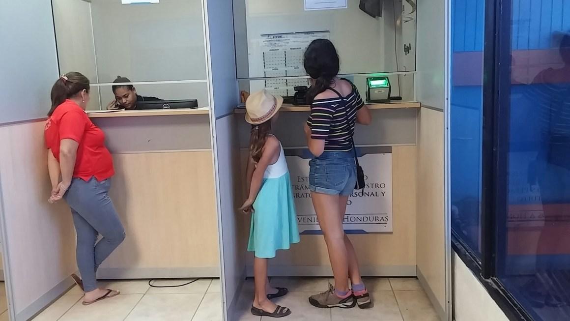 דרכונים בבקשה
