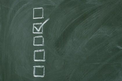 Checklistattheblackboardwithcopyspace_web