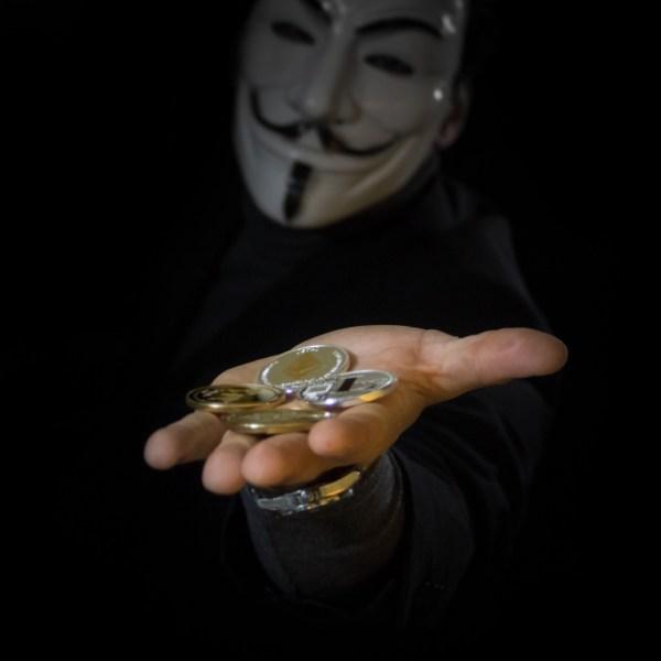 un'anonima carità di stato