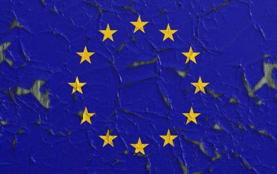 Foto interpretazione artistica bandiera europea - RotoNotizie