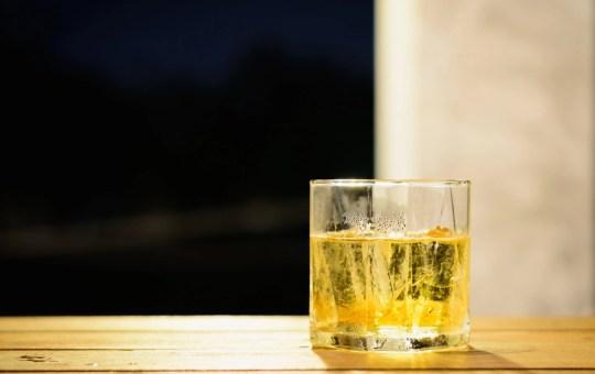 Foto bicchiere - Anteprima Sbronziamoci | RotoNotizie