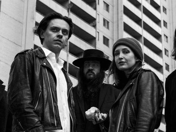 July Talk speelt op 11 september 2016 in Rotown, Rotterdam