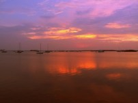 Sonnenuntergang vorm Zelt