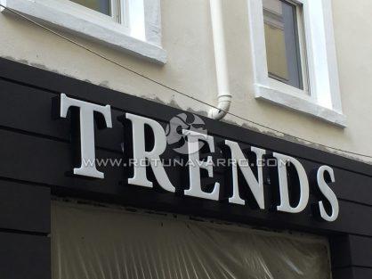 Letrero Trends - Tienda ropa Gibraltar