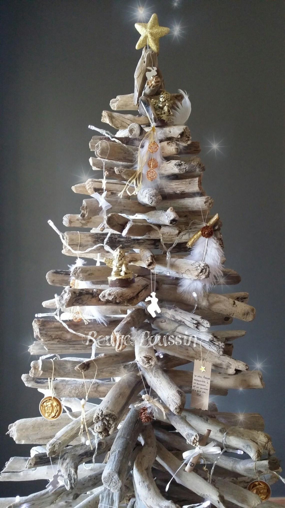 Sapin de Noël 2014 en bois flotté et décorations fait main.