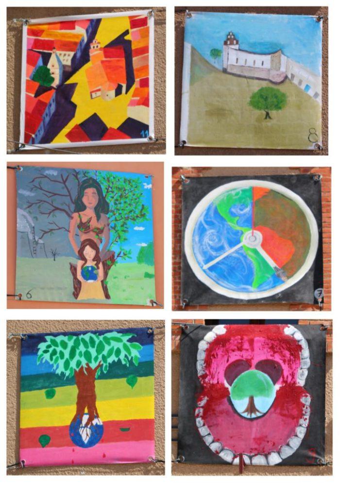 Photo des tableaux du concours de peinture.