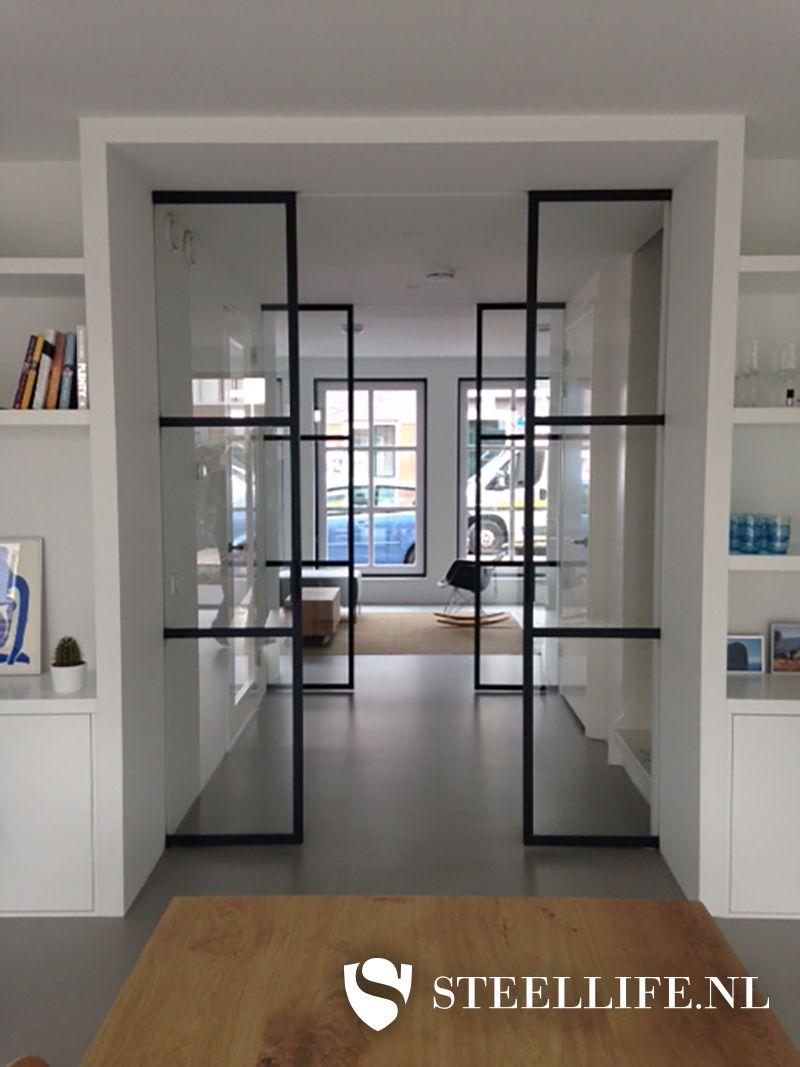 Stalen deuren met glas en stalen trappen  Steellife