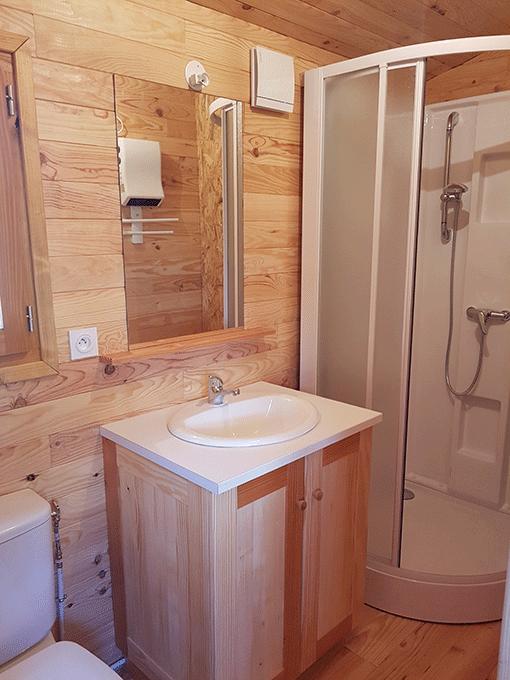 salle-de-bain-roulotte-1